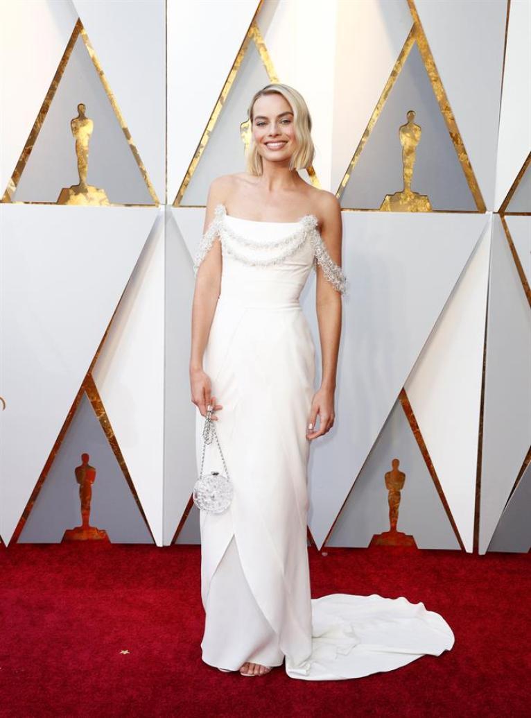 Margot Robbie en la alfombra roja de los Óscar