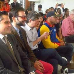 De izquierda a derecha: el director ejecutivo de El Sistema, Eduardo Méndez, y el cineasta Jonathan Reveron