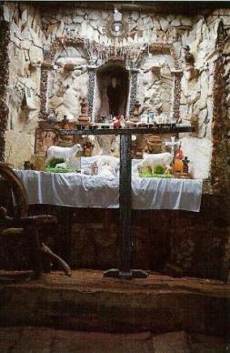 interior capilla del filo del tisure 1991