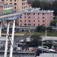 El puente fue construido en la década de 1960 y une la autopista A10, que llega desde la frontera de Francia, con la A7 hacia Milán (norte)/ Foto: EFE