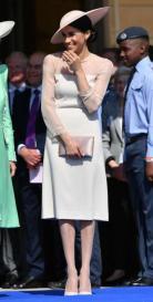 En su primer acto público tras su boda, Meghan Markle eligió un vestido de Goat con mangas de gasa