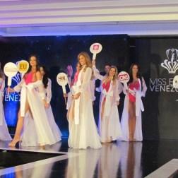 Las 24 candidatas al Miss Earth Venezuela/ Foto: Laura Martínez