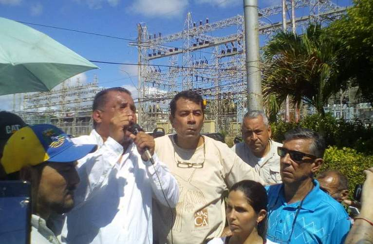 Gobernador en la protesta