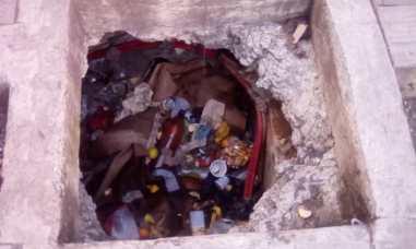 Catia: Huecos son vistos como basureros /Foto: @FloresTaizen