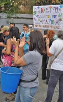 Protesta por falta de agua en el Día Mundial de la tierra. Foto: Lisandro Cazaña