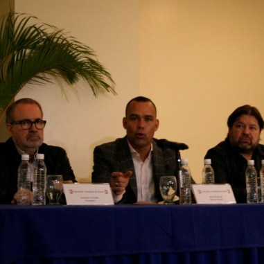 Laureano González, Rafael Dudamel y Jesus Berardinelli en rueda de prensa / @rastavafotografia