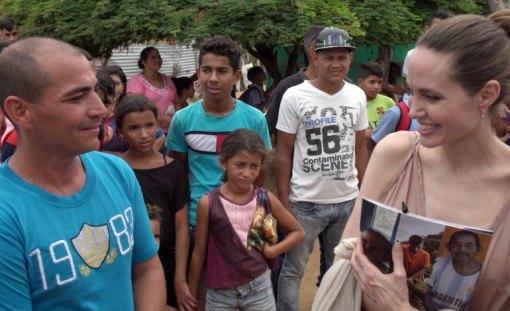 Angelina Jolie junto a los venezolanos / Foto: EFE