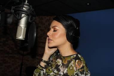 Con este tema la animadora se estrena oficialmente como cantante / Foto: JotaErre Medios