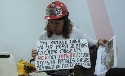 Leida Brito lucha por su madre y su hermano quienes están delicados de salud / Foto: Valentín Guimaraes @rastavafotografia