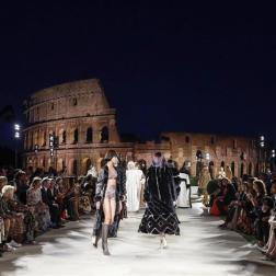 Al fondo el Coliseo Romano como escenario/Foto: EFE