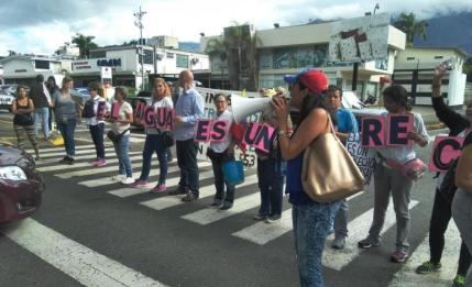 Protestas vecinales para exigir mejoras en el suministro de agua. Foto: Cortesía
