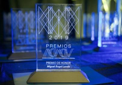 Premio de honor para Miguel Ángel Landa / Foto: Cortesía ACACV