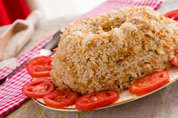 أرز بشعرية