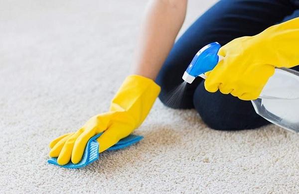 كيفية تنظيف السجاد بدون غسيله