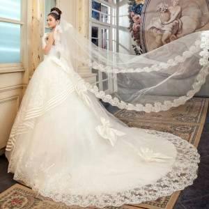 أحدث فساتين الزفاف البيضاء