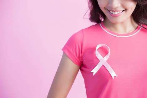 خمسة أعراض سرطان الثدى