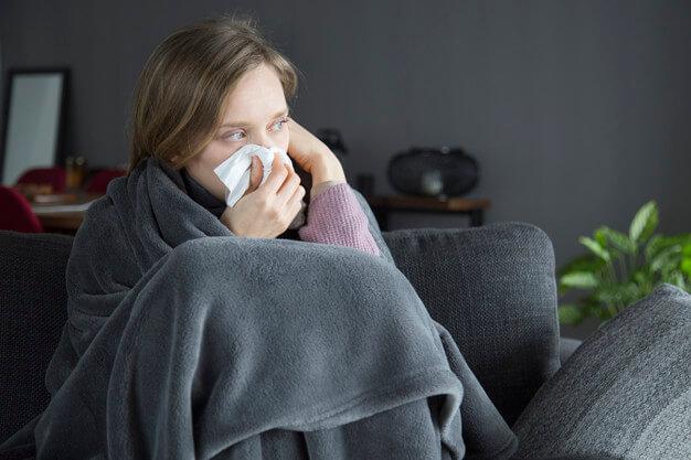 اعراض البرد المكتوم فى الجسم وعلاجة بالاعشاب