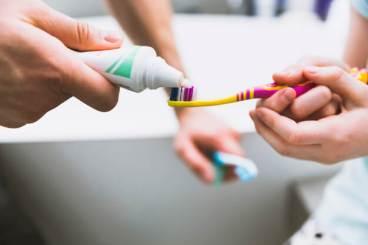 معجون الأسنان أو غسول الفم