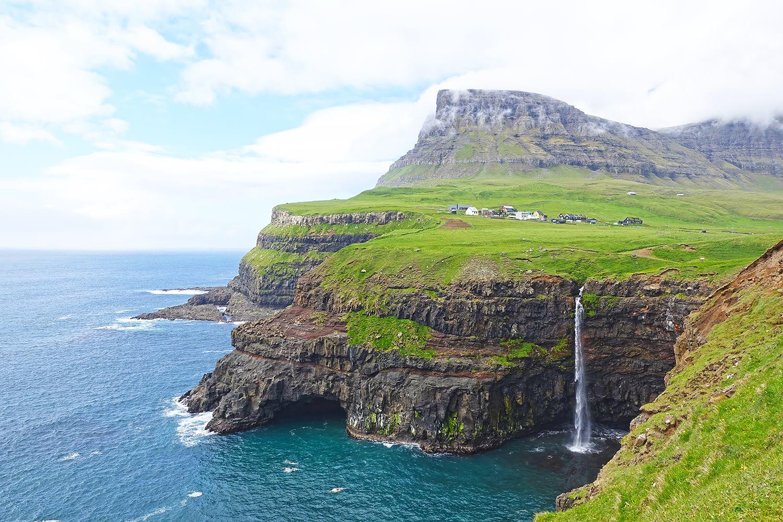 Worlds Most Surreal Landscapes - 25 breathtaking surreal landscapes here on earth