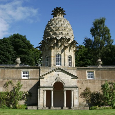 Dunmore Pineapple, Scotland - summerhouse of the Earl of Dunmore