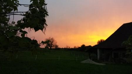 Coucher de soleil sur la Ferme du Petit Véage