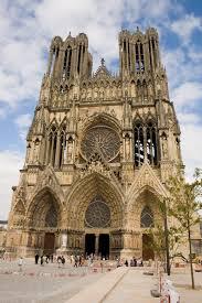 Catedral de Reims (parecida com a de Paris, não é?). Foto.