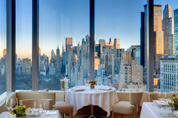 new-york-hotel-restaurant-asiate-skyline-table-for-two-at-dusk