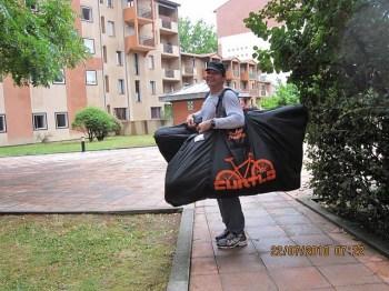 No hotel em Toulouse, já com nossas bikes nas malas...