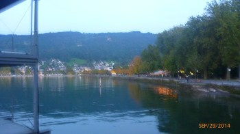 O Lago Constança. Ao fundo a montanha