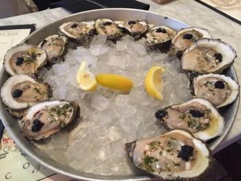 Deliciosas ostras com caviar!