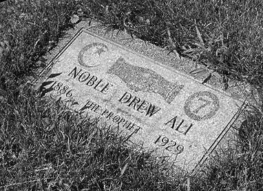 Tombe de Noble Drew Ali
