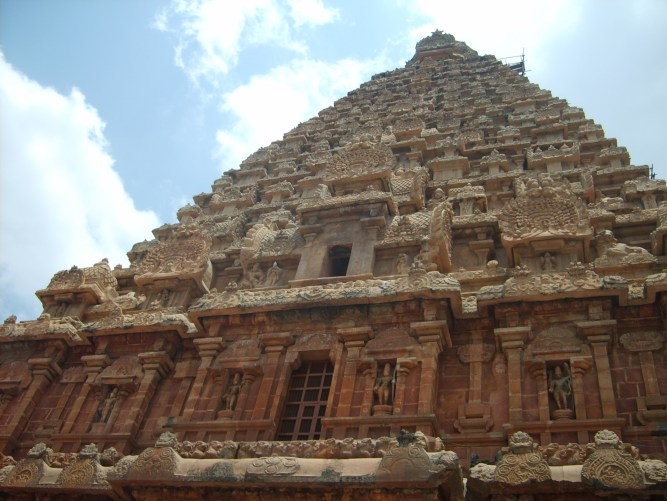 Tanjore temple India travel guide