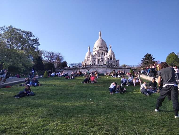 sacre coure paris backpackers