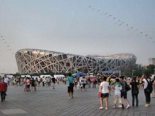 """Das sogenannte """"Vogelnest"""", das Nationalstadion in Peking, errichtet für die olympischen Sommerspiele 2008, ist eines der neuen Wahrzeichen des nordchinesischen Nationalbewusstseins. (Foto: Hansjörg Dühning)"""