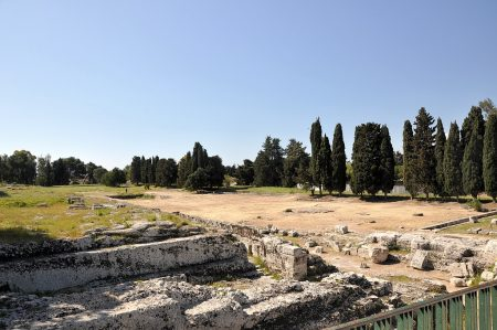 Der Altar Hierons II. im antiken Syrakus, oder was 2500 Jahre später noch davon übrig ist... (Foto: Martin Dühning)