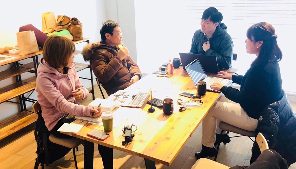 内田かつのり先生とのミーティング風景