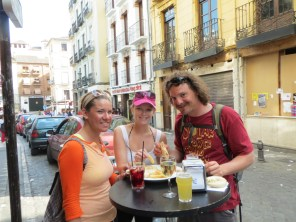 Free huge tapas with 3 euro drink after walking tour