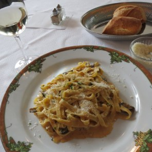Tagliatelle entree at Rendez-vous in Cannes