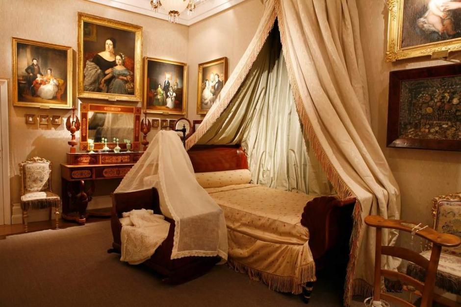 20-classic-decor-bed-room