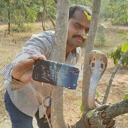 Varieties Of Selfies You Can Take Only In India