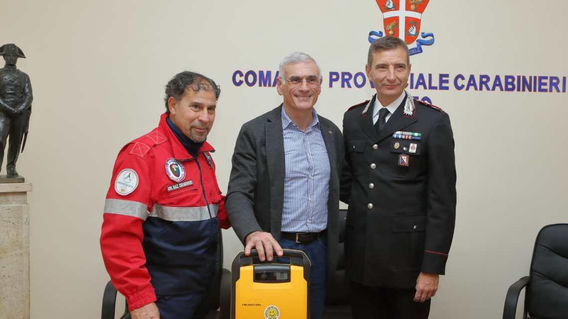 Un defibrillatore in dono all'Associazione Carabinieri