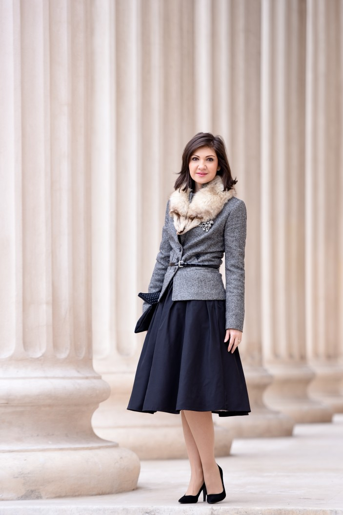 sacou gri si fusta neagra ampla. ancasdiary fashionblog