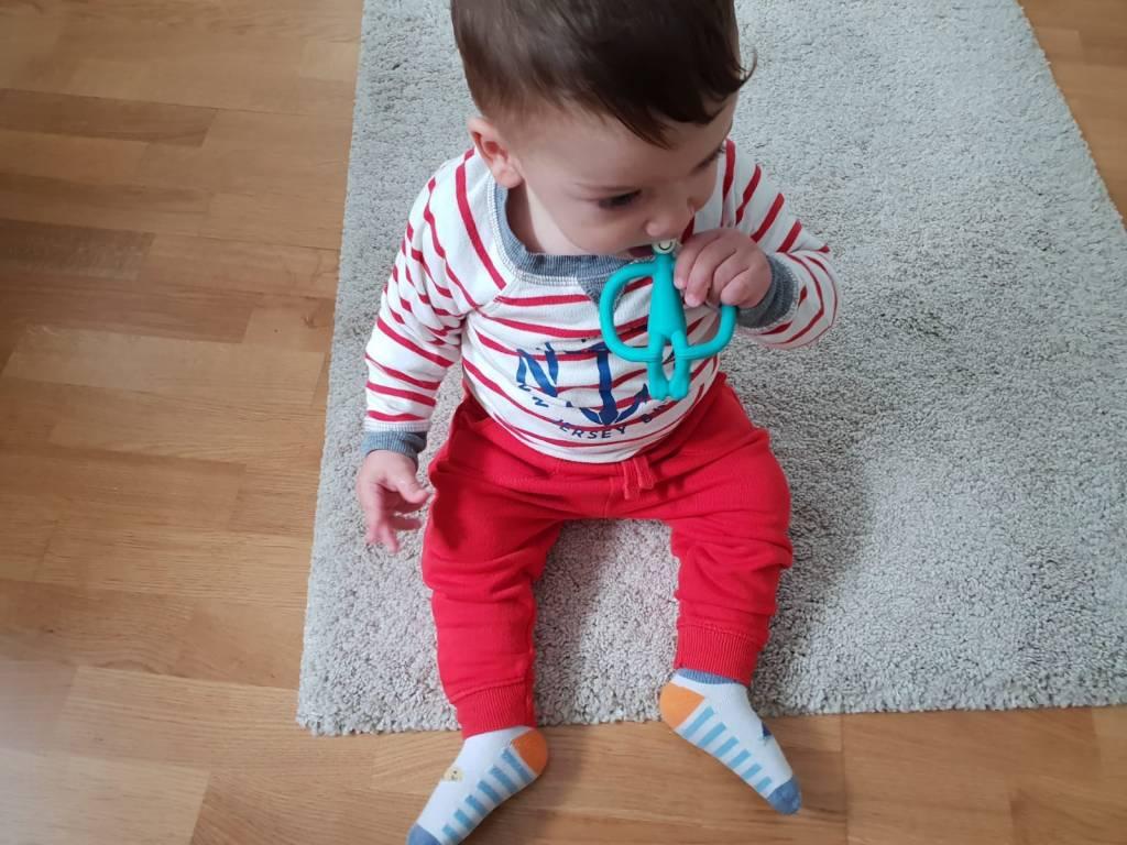 Ajutor, copilul meu mănâncă șlapi! (Concurs)