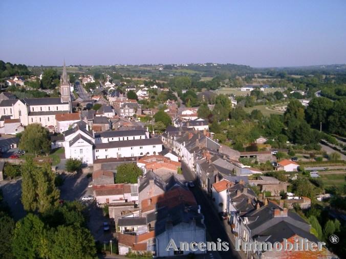 2002-09-14-Oudon-le-bourg-vu-de-laTour-médiévale-21