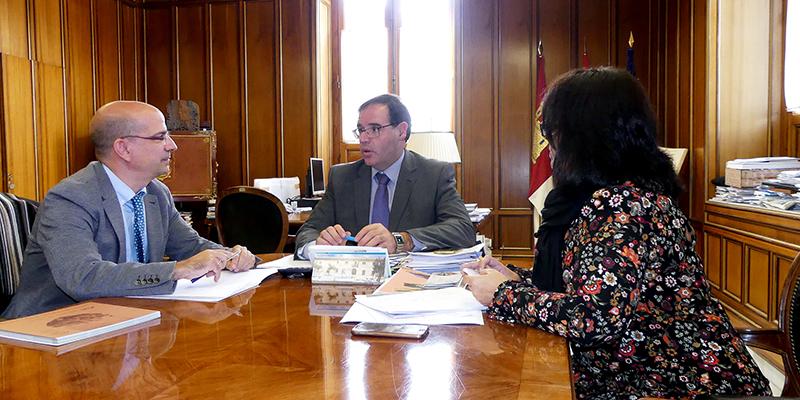 ANCES mantiene una reunión de trabajo con el presidente de la Diputación de Cuenca