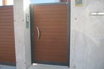 Puerta de aluminio para la entrada del jardín