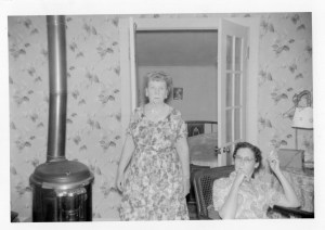 Alice and Dolly at Van's house at (Challenge, CA or La Porte?)