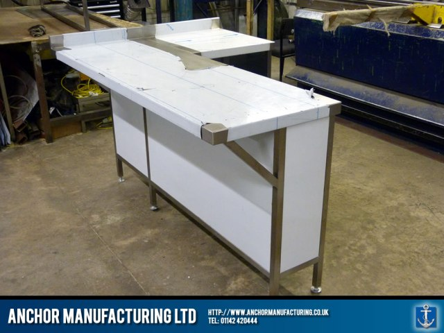 Stainless steel breakfast bar