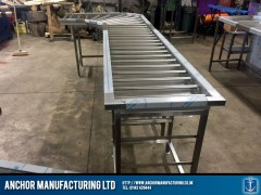 Stainless steel clean table with roller system