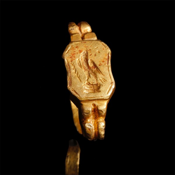 Roman Gold Ring with Eagle